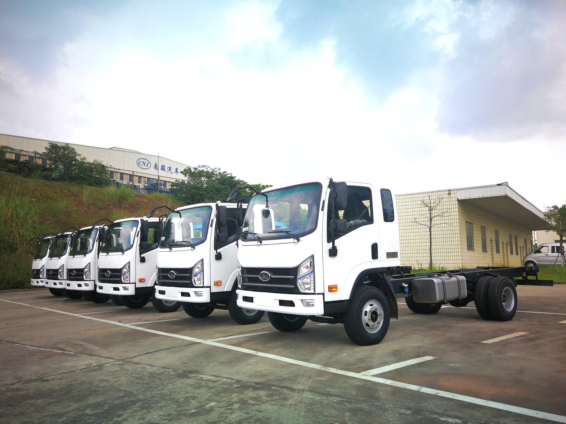 6-eenheden-van-cnj-8-ton-vrachtwagens-met-yuchai-130-pk-diesel-motoren-zijn-onderweg-naar-el-salvador--2-8-2019--1