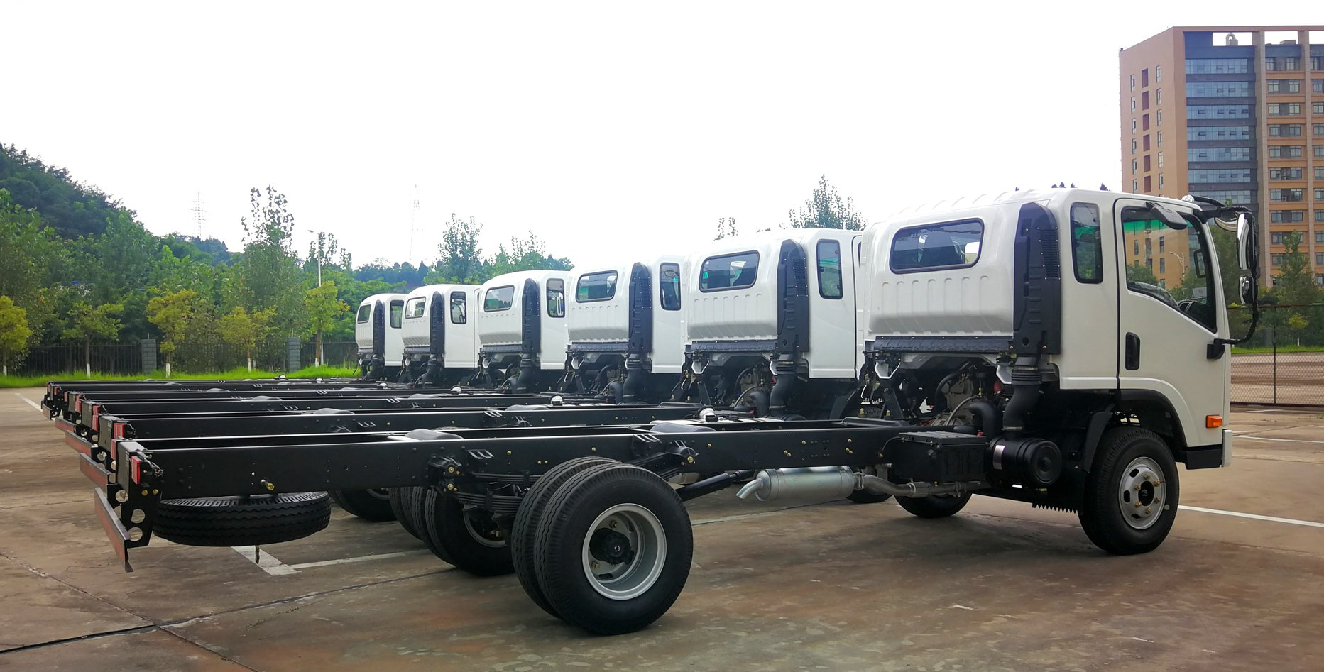 6-eenheden-van-cnj-8-ton-vrachtwagens-met-yuchai-130-pk-diesel-motoren-zijn-onderweg-naar-el-salvador--2-8-2019--5