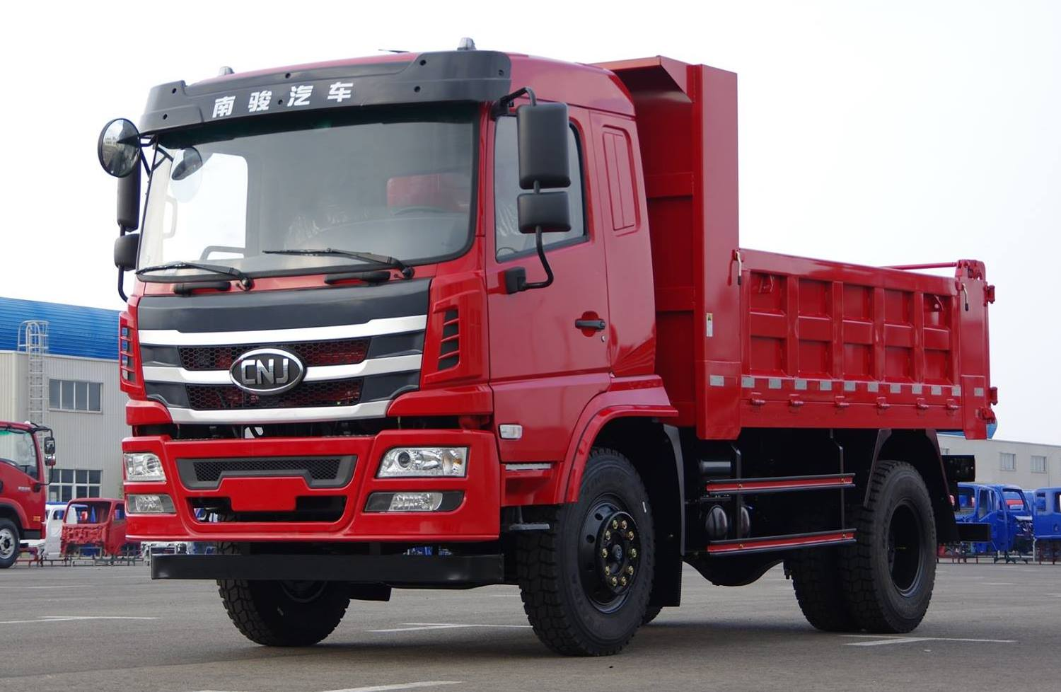 CNJ-Heavy-Trucks--K60-Series--from-20-tons-to-40-tons-1