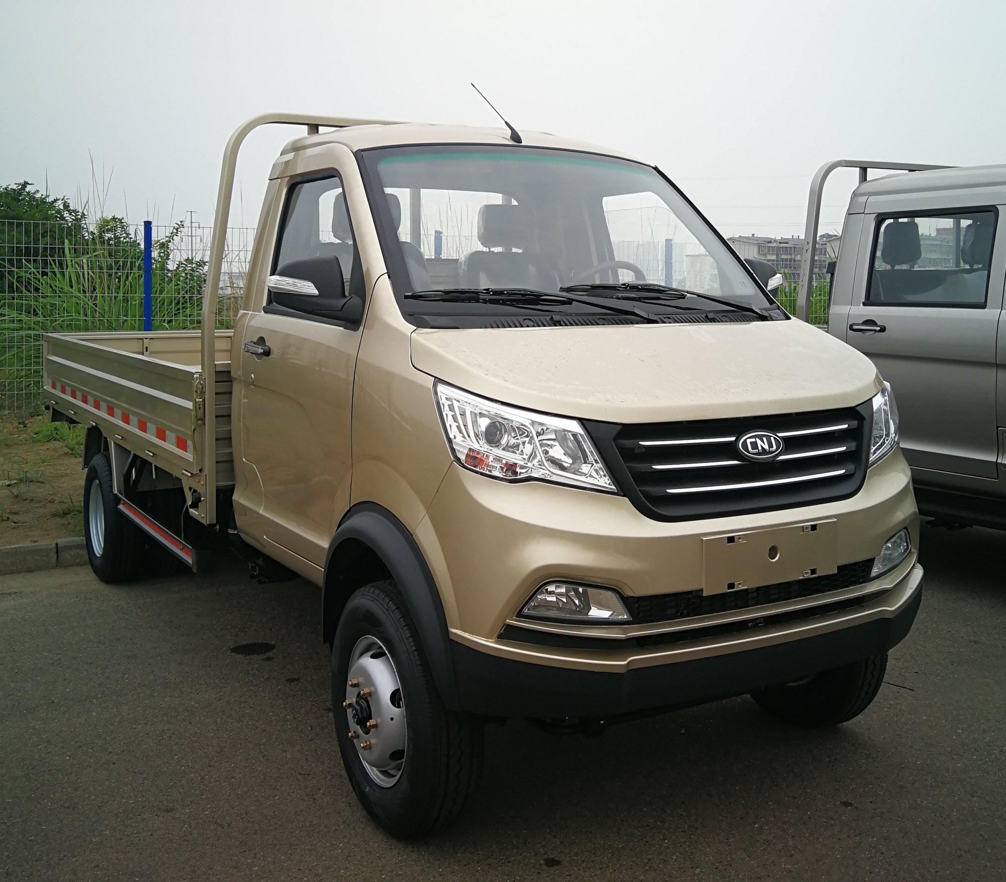 Cnj-3-ton-lichte-truck---dumper-met-isuzu-2-7-l-diesel-3