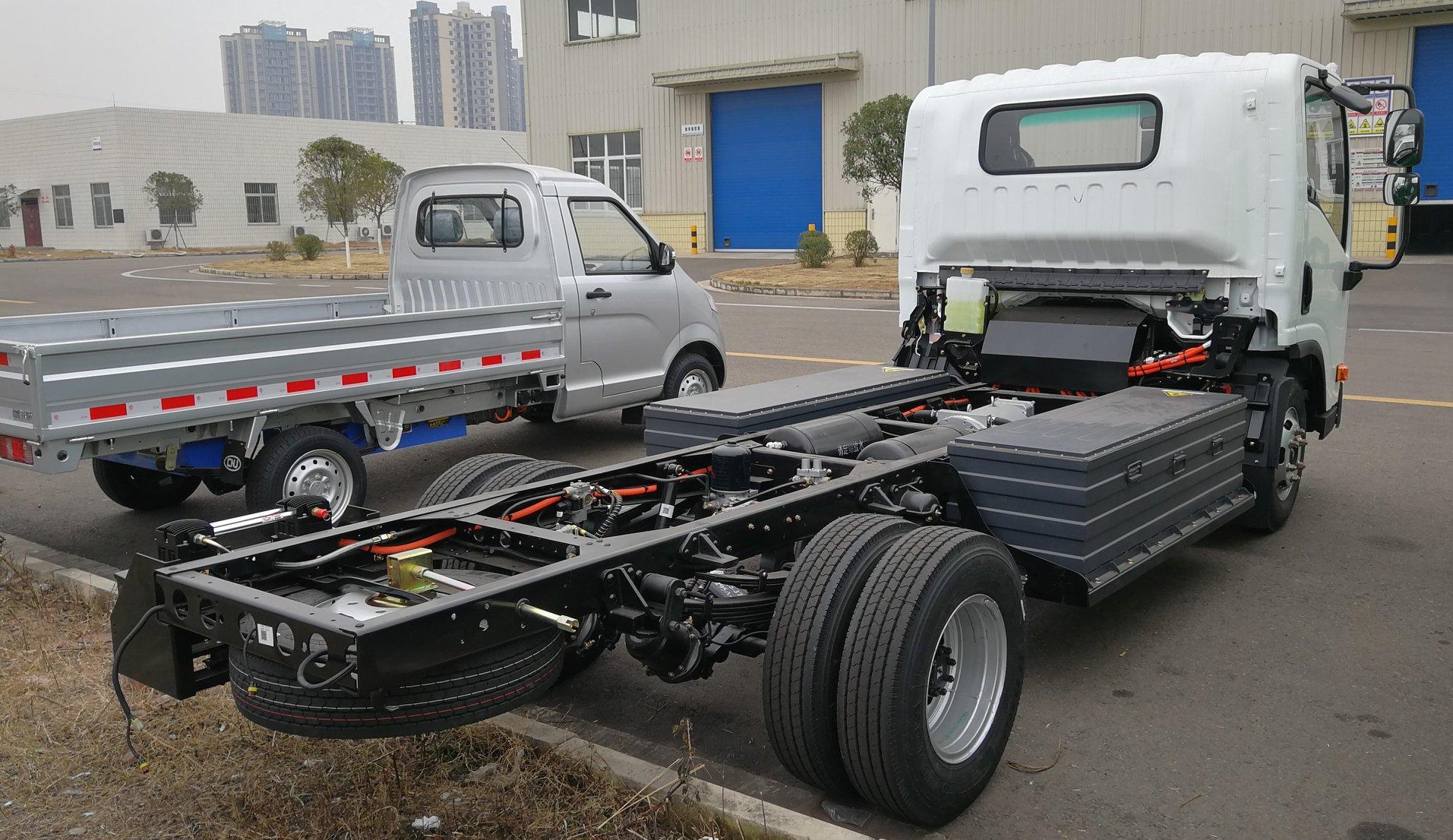Cnj-elektrische-vrachtwagens-van-39-kwh-tot-93-kwh-met-lading-van-2-5-ton-tot-8-ton-2