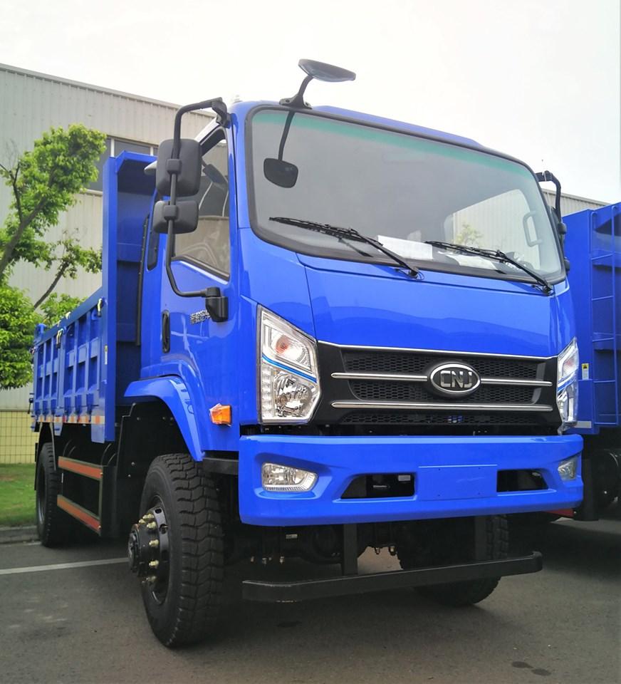 cnj-4-wd-dumper-trucks-zijn-veilig-aangekomen-in-liberia--1