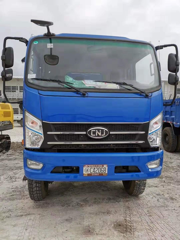 cnj-4-wd-dumper-trucks-zijn-veilig-aangekomen-in-liberia--3