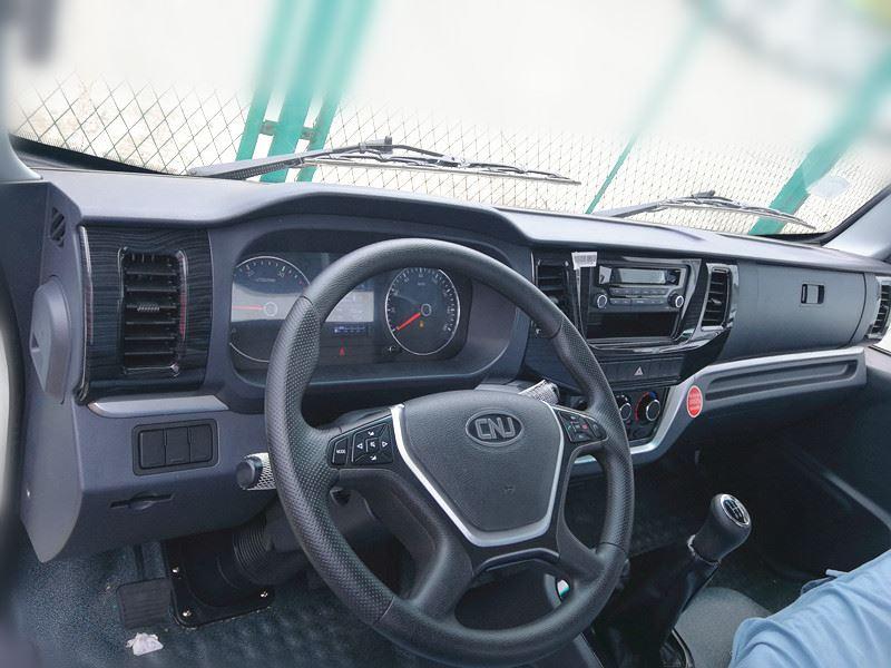 Lichte-trucks--alleenstaande-cabine--een-en-halve-cabine--dubbele-cabine-diesel-motoren-van-80-pk-tot-160-4-ton-tot-12-ton-pk27