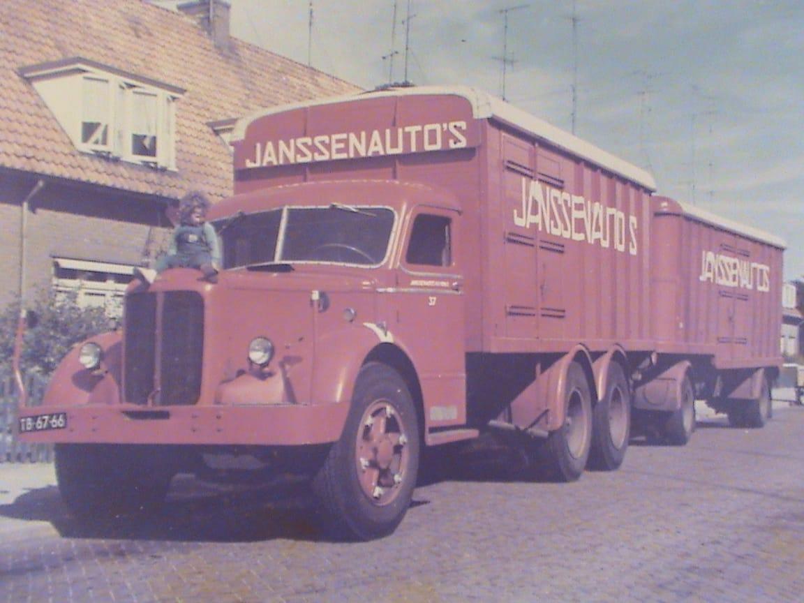 Chauffeur-van-Offeren--1963-archief-Rijk--zoon-van-1