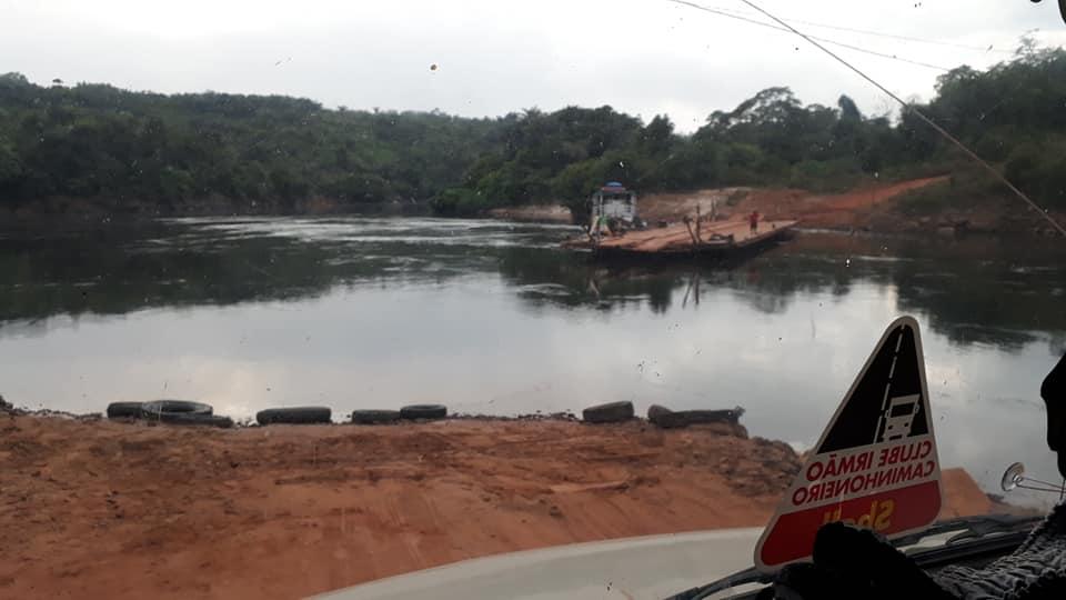 Ferry-de-rivier-de-Tatui-2