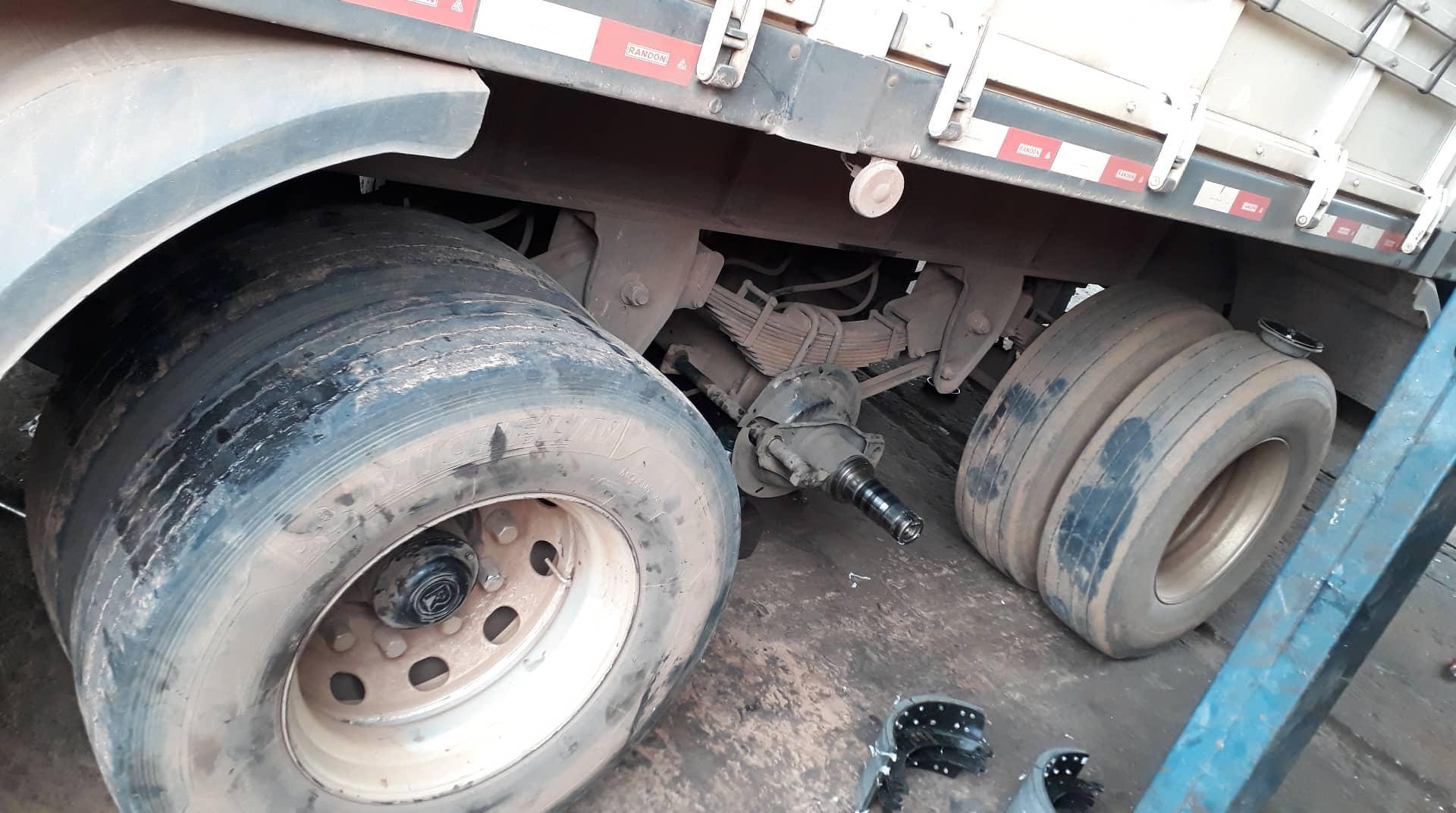Remmen-vervangen--substituir-os-freios