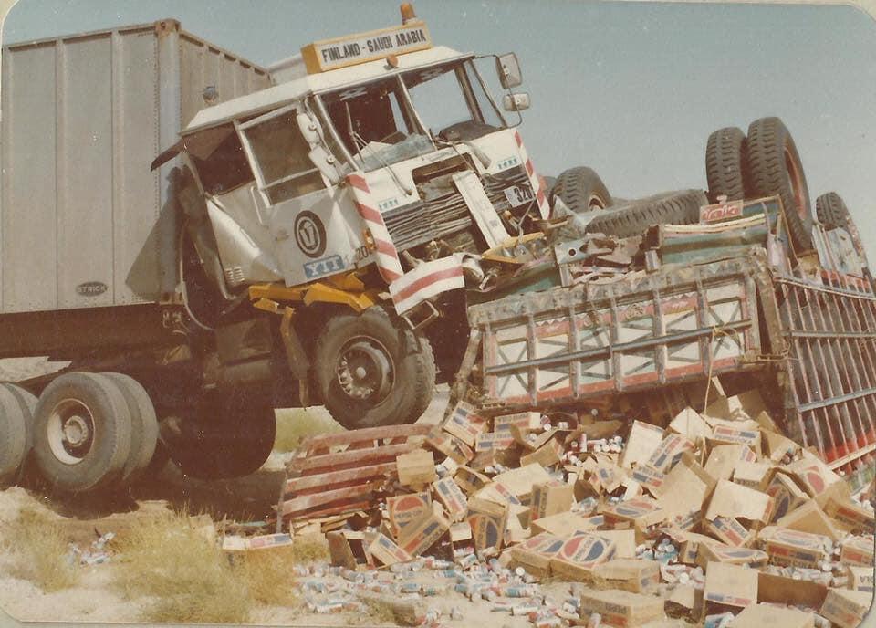 sisu-vrachtwagen-ongeluk-Saoedi-Arabie-3