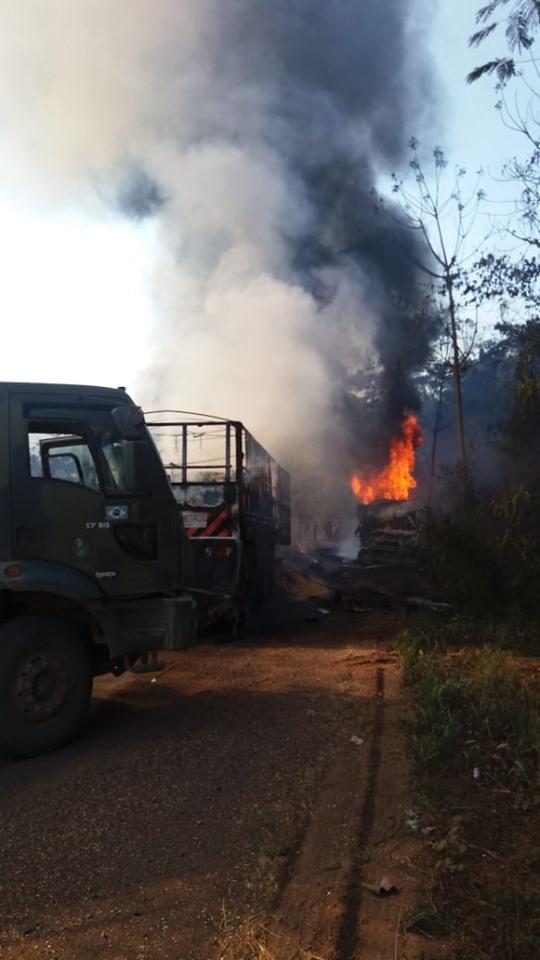 Meerdere-vrachtwagens-onderweg--in-de-buurt-van-Moraes-Almeida-1