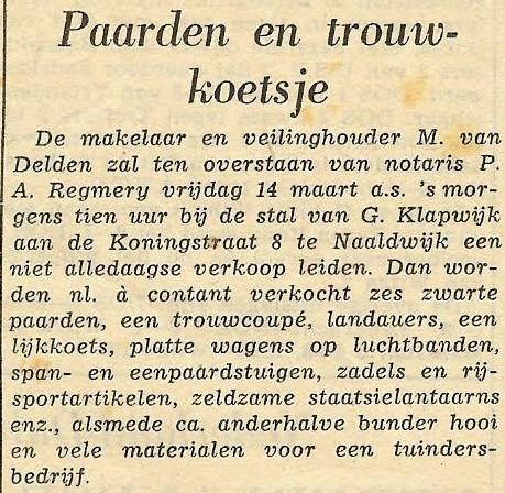 mijn-oudooms-in-Naaldwijk-hadden-koetsen-voor-trouw-en-rouw-Wij-zijn-in-1957-met-een-koets-getrouwd---Korte-tijd-later-zijn-ze-gestopt-met-de-koetsen-en-werd-er-boelhuis-gehouden.-Gerrit--met-een-lijkauto