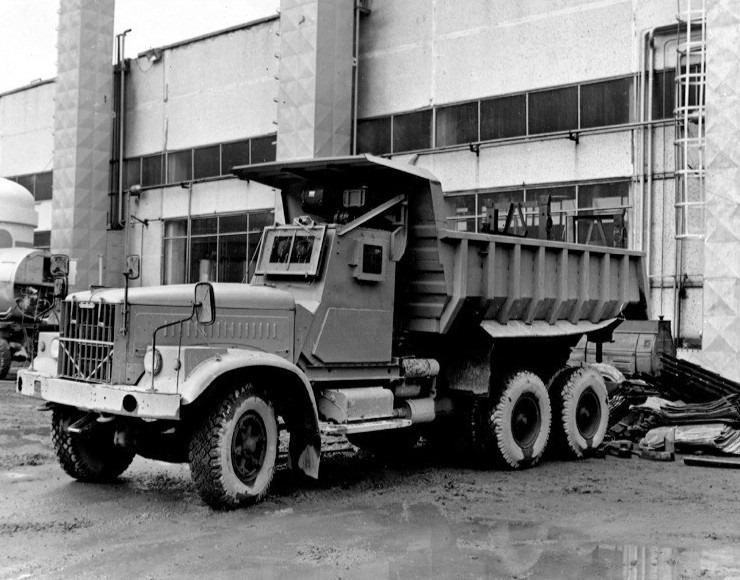 Kraz--A3-256-voor-Chernobyl