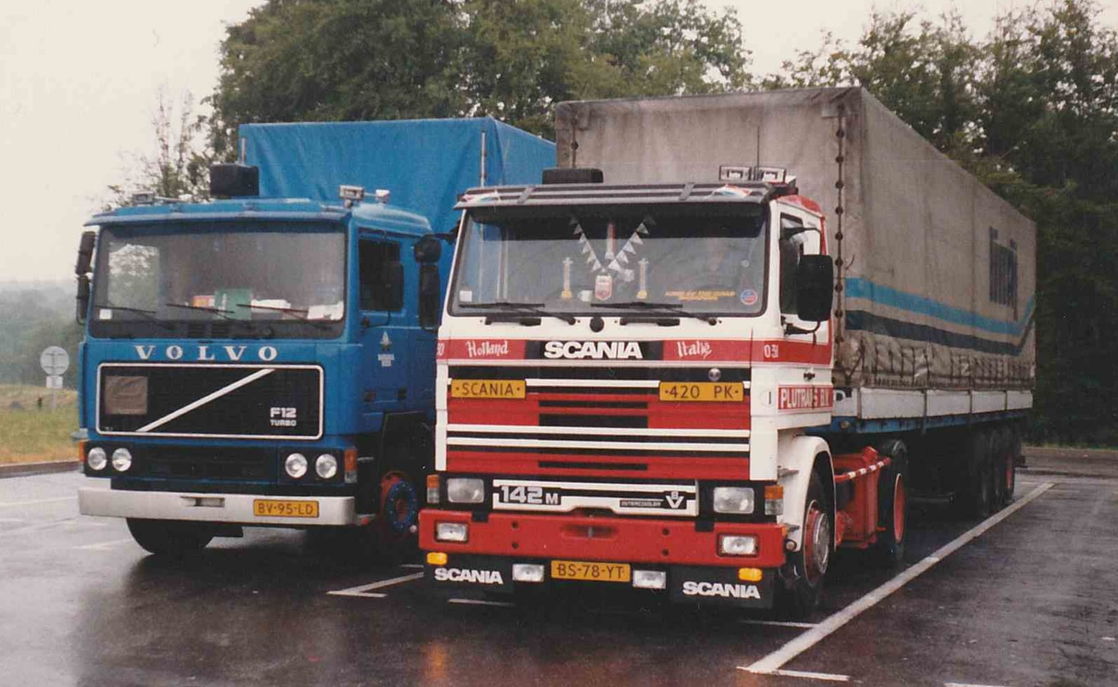Jan-Michels-met-de-nieuwe-Volvo-in-kleur-van-Bavaria