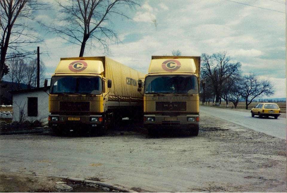 Kees-Jonk-heen-en-weer-pendelen-tussen-Wit-Rusland-met-Theo-van-Gelderen-en-Willam-Roefs-met-de-Daf-4