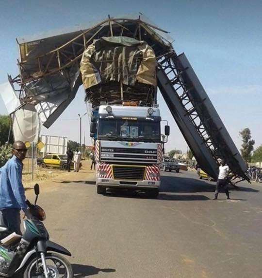 afrika-met-een-brug-lading