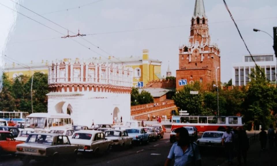 Henk-Klasens--1990-Onderweg-met-hulpgoederen-naar-Kazan-4