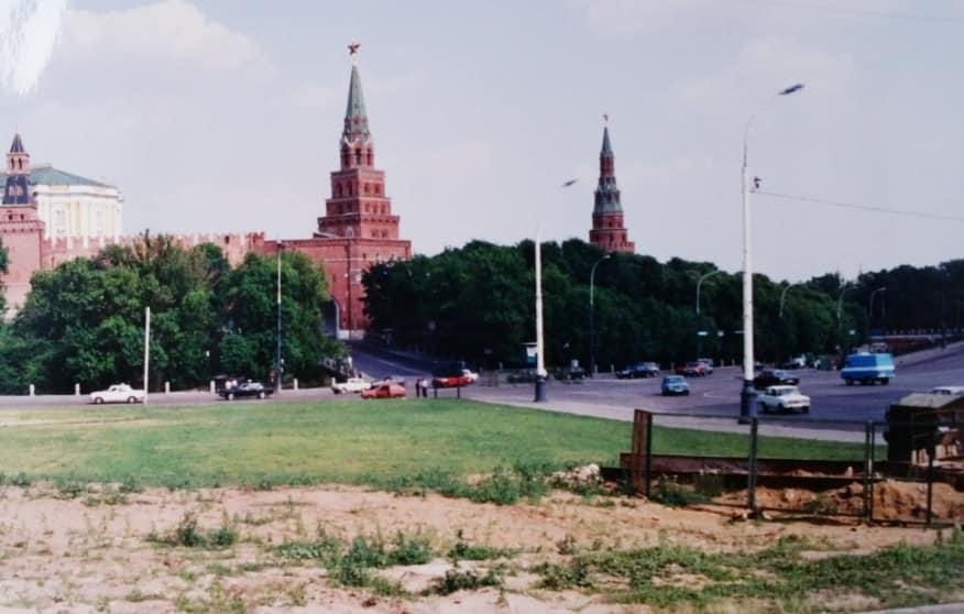 Henk-Klasens--1990-Onderweg-met-hulpgoederen-naar-Kazan-5