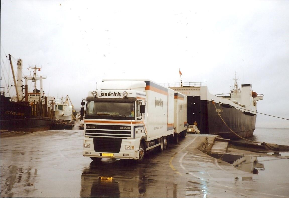 Jan-Pieter-Floor-hier-metde-priraten-boot-naar-Montenegro-1