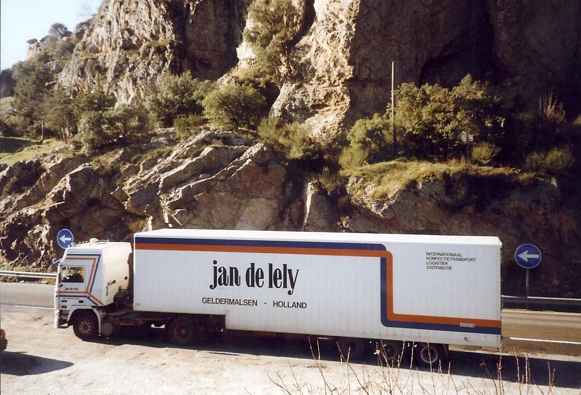 Jan-Pieter-Floor-onderweg-in-Spanje-naar-Marokko-3