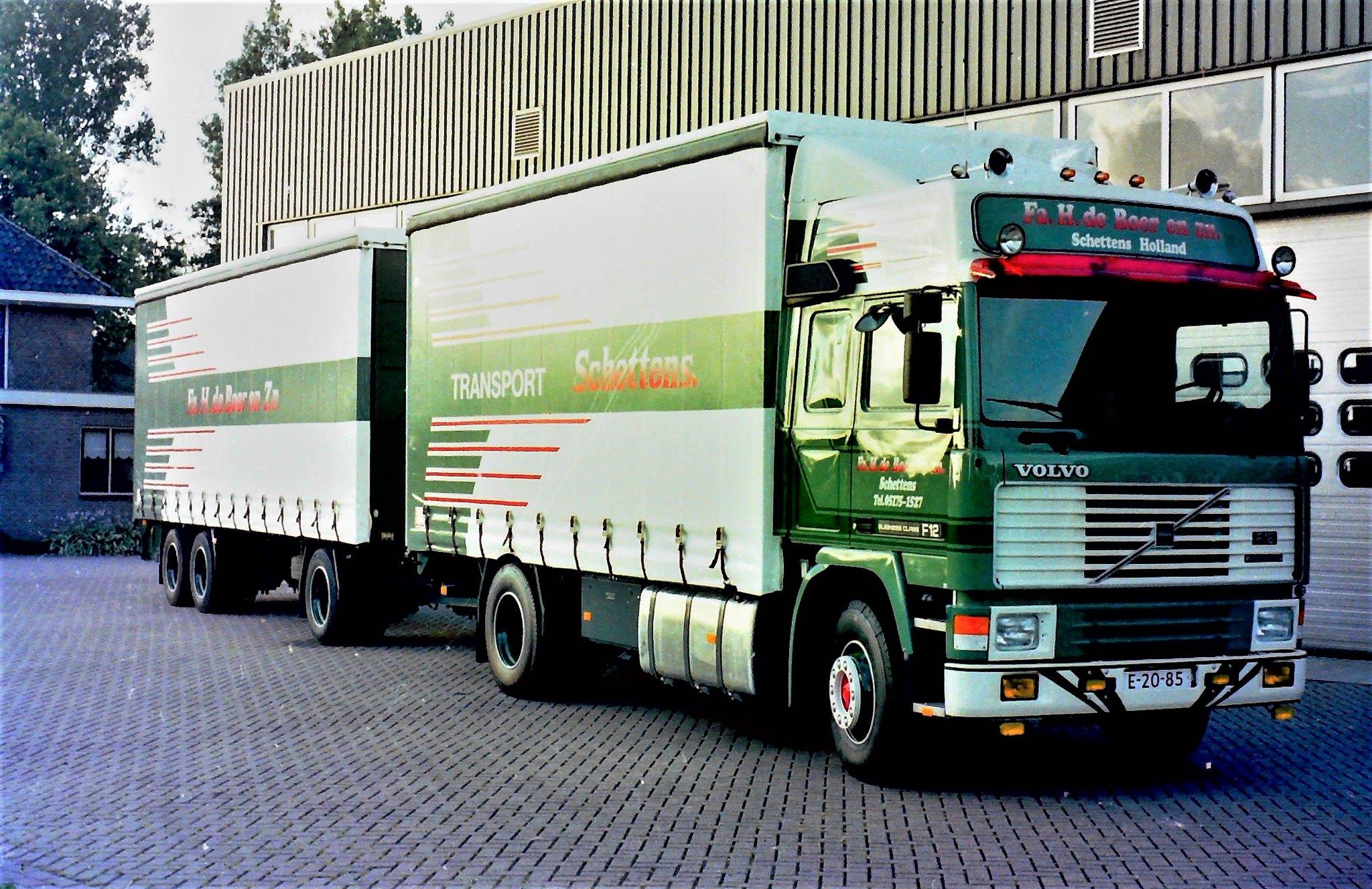 Volvo-F12-en-RAF-AHW---carr-Rondaan