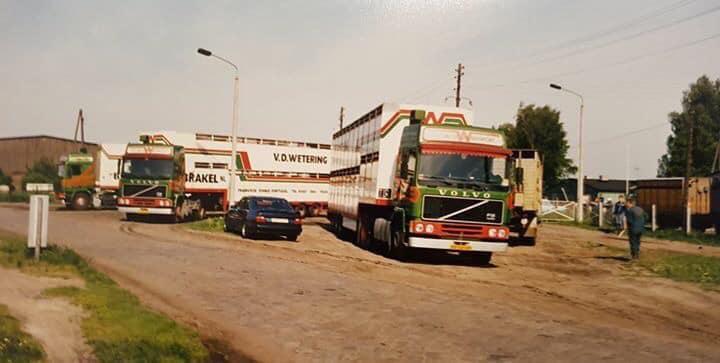 Wetering-Vee-transport--Michel-van-Asch-foto-jaren-80-met-rooie-kes-Marcel--en-Rino-samen-8