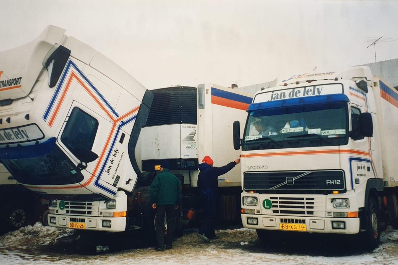Gerwi-Rensel--Rusland-dacht-Petersburg-van-het-bootje-af-opa-Hans-bevroren-samen-met-flip-barten-en-in-cabine-schele-cor-RIP