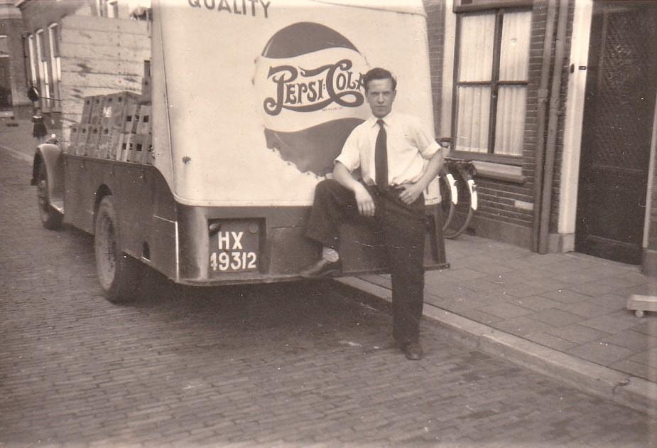 Opel-Blitz-met-chauffeur-verkoper-Henk-Peck-6