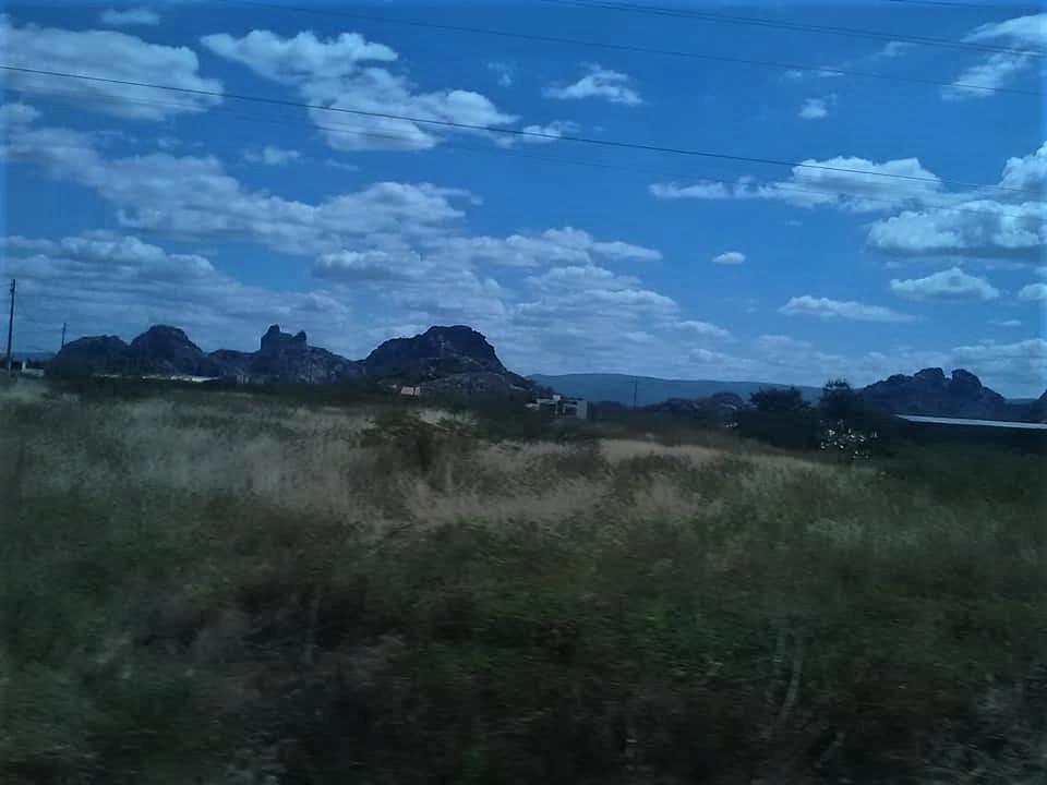 25-6-2019-de-weg-van-Seabra-naar-Forteleza-hier-zijn-meteorieten-neer-gekomen-1