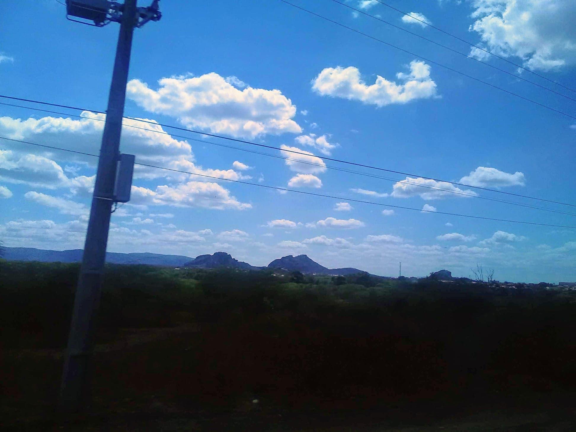 25-6-2019-de-weg-van-Seabra-naar-Forteleza-hier-zijn-meteorieten-neer-gekomen-3