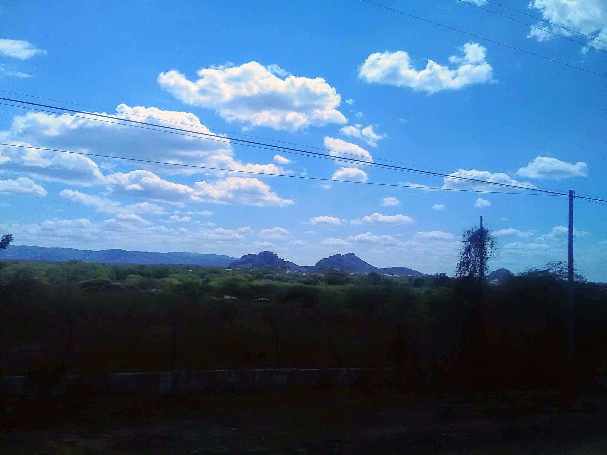 25-6-2019-de-weg-van-Seabra-naar-Forteleza-hier-zijn-meteorieten-neer-gekomen-4