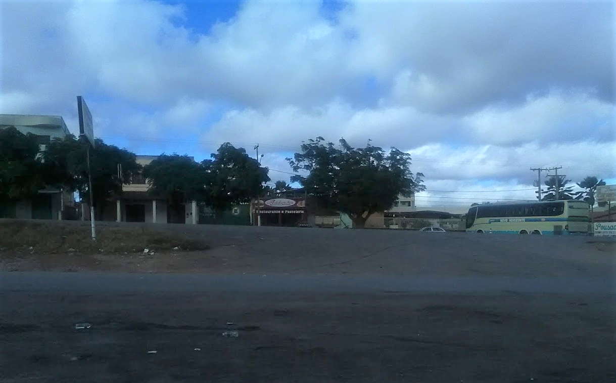 Wachten-op-de-bus-in-Seabra-5