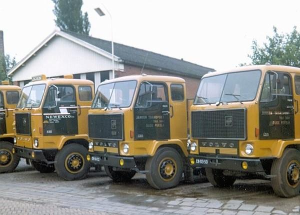Fredyy-Everhardus-archief--Jansen-Transport-Oude-Pekela-8-charter-wagens-1
