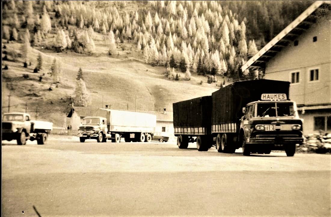 Mack-N61S-kenteken-TB-90-47-nr-50-in-Zwitserland-chauffeur-Jan-van-Sonsbeek-RIP---Han-Megens-Archief-2