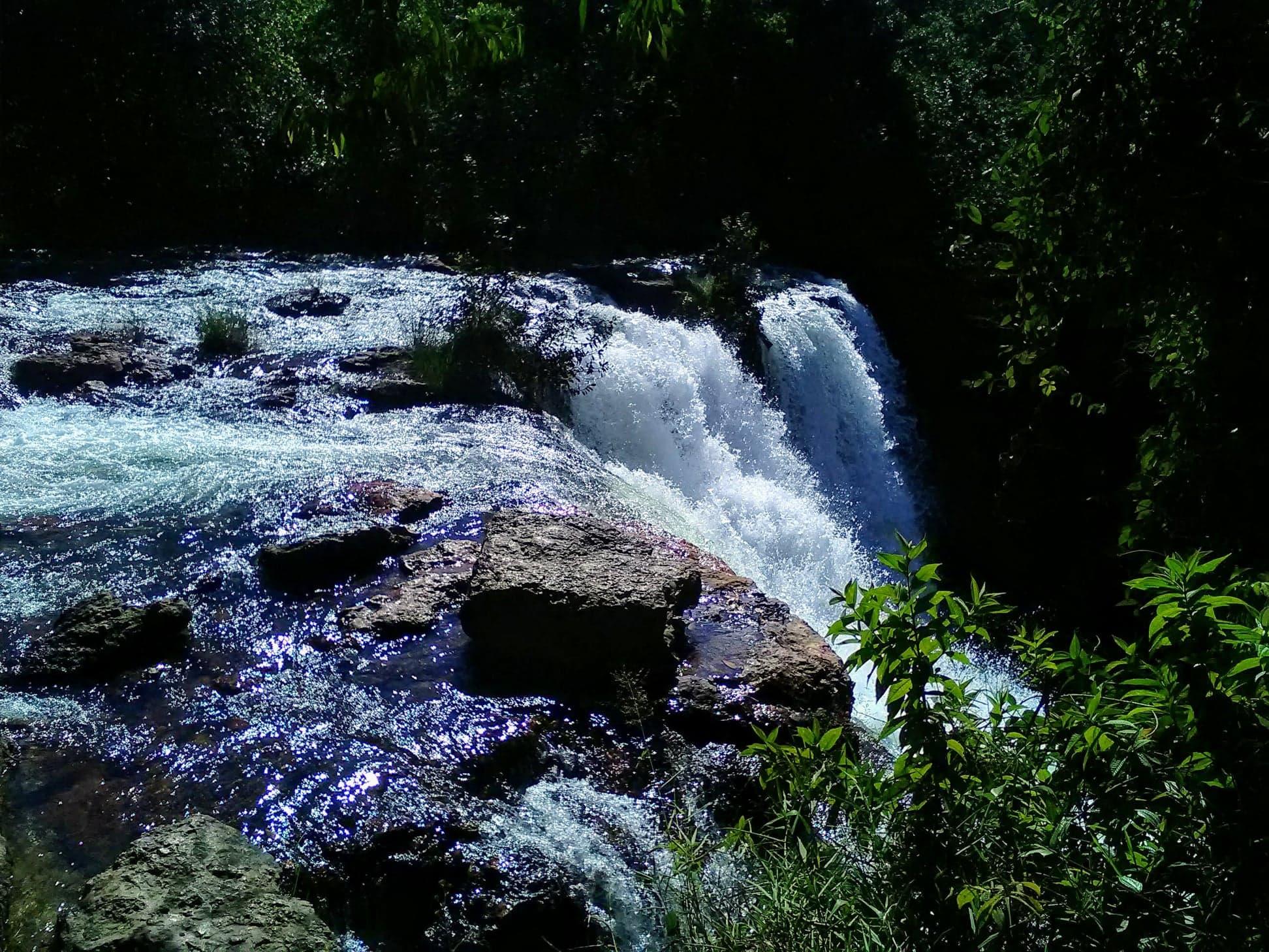 Brazilianen-zijn-dol-op-watervallen-en-water-2