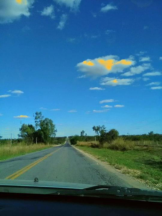 Y-de-weg-vanaf-het-park-naar-de-grote-weg-was-28-km-kaarst-rechtdoor.--2