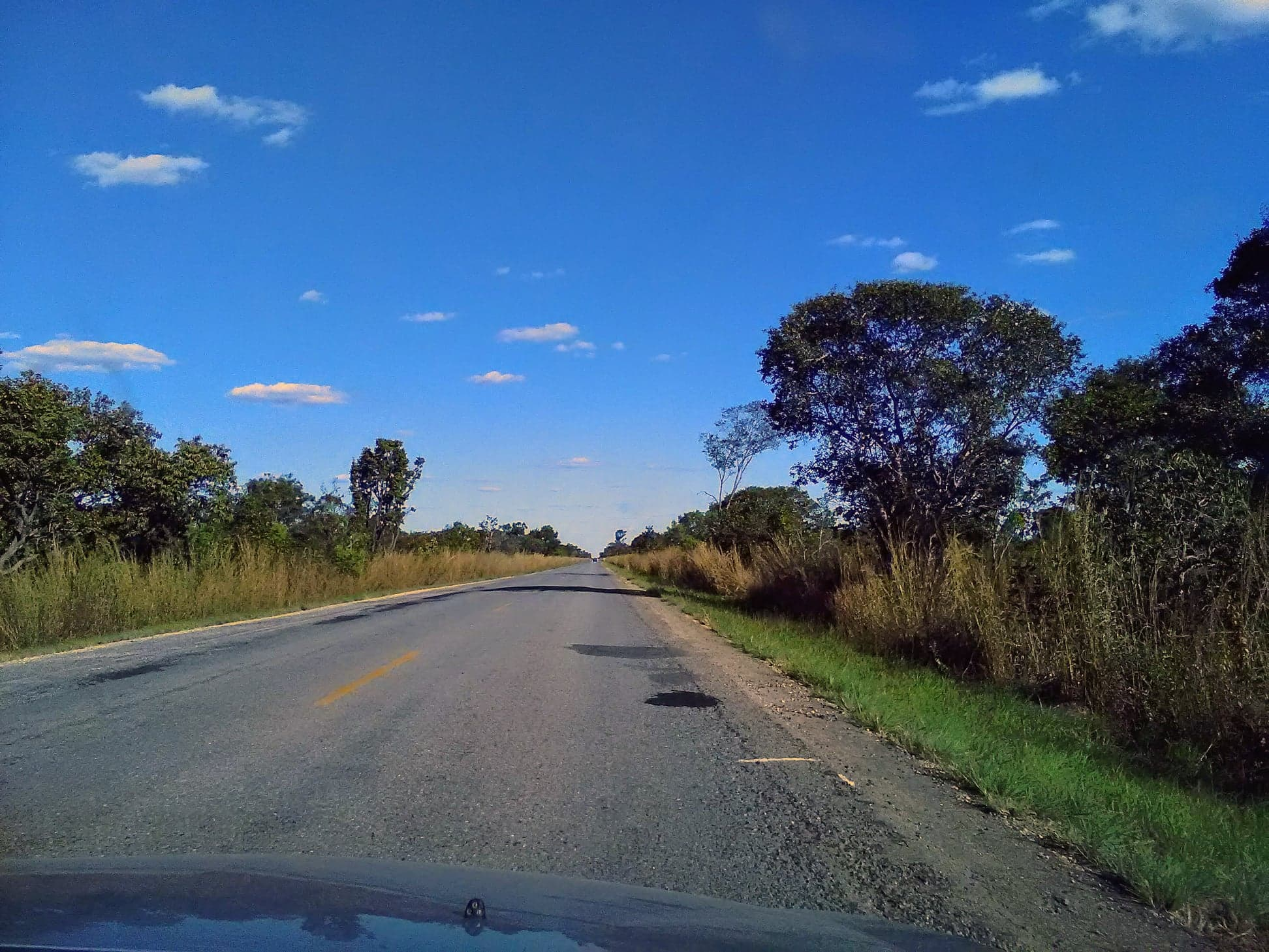 Y-de-weg-vanaf-het-park-naar-de-grote-weg-was-28-km-kaarst-rechtdoor.--3