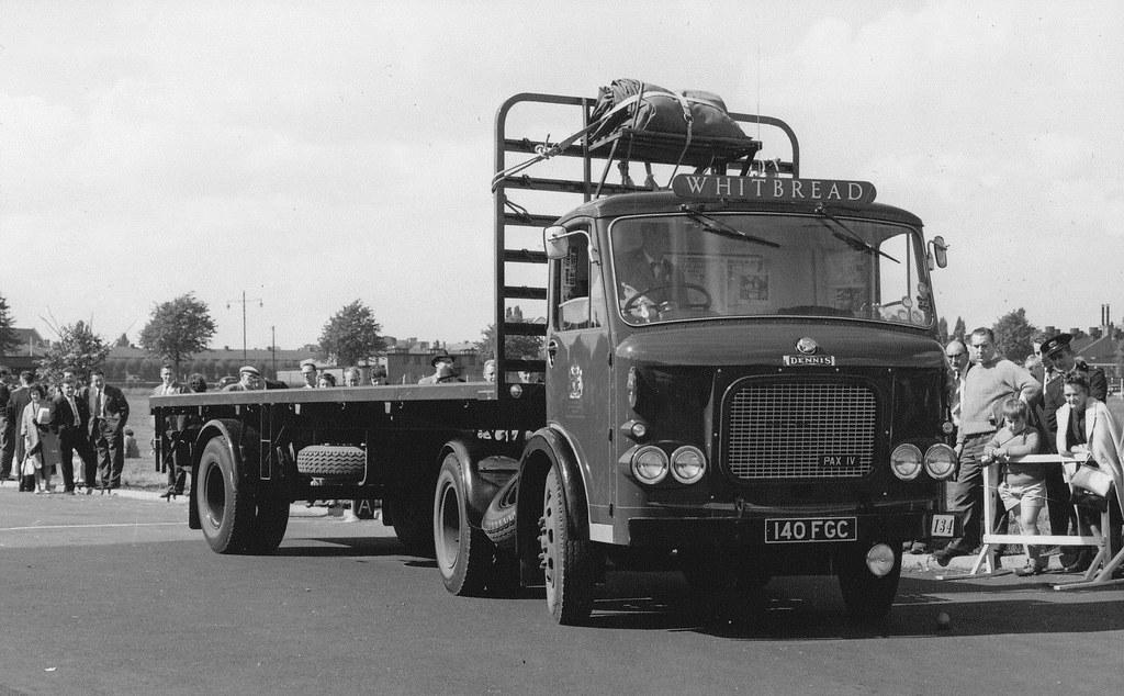 Jan-Van-Pelt-archief-Brewery-trucks--UK