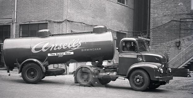 Jan-Van-Pelt-archief-Brewery-trucks-UK-2
