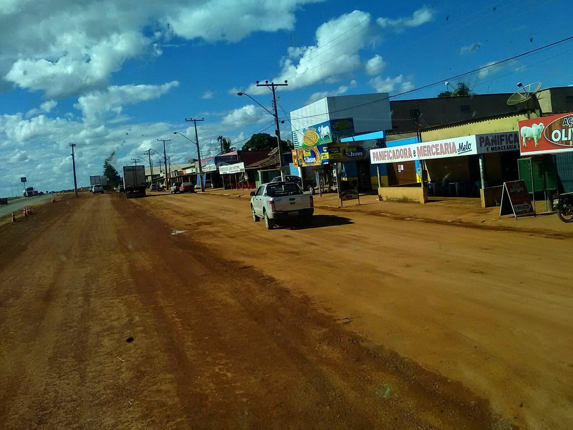 op-het-zand-rijden--door-een-dorp-6