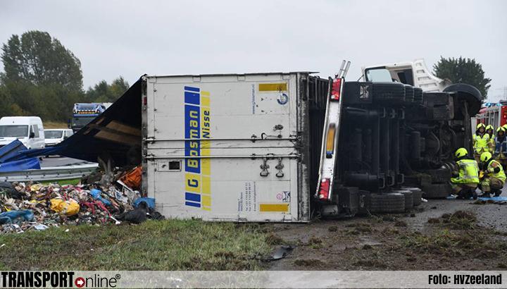 Ongeval-A58-gekantelde-vrachtwagen-24-9-2019-
