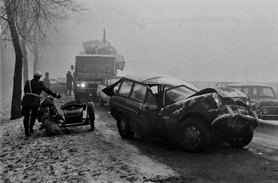 1970-Utrecht-Rijksweg-2-Lage-Weide-Kettingbotsing-2