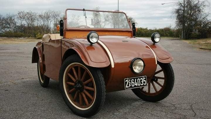Hanomag-1926-2-10-1925-tot-1928-500-CC-watergekoeld-16.000-zijn-er-verkocht--1