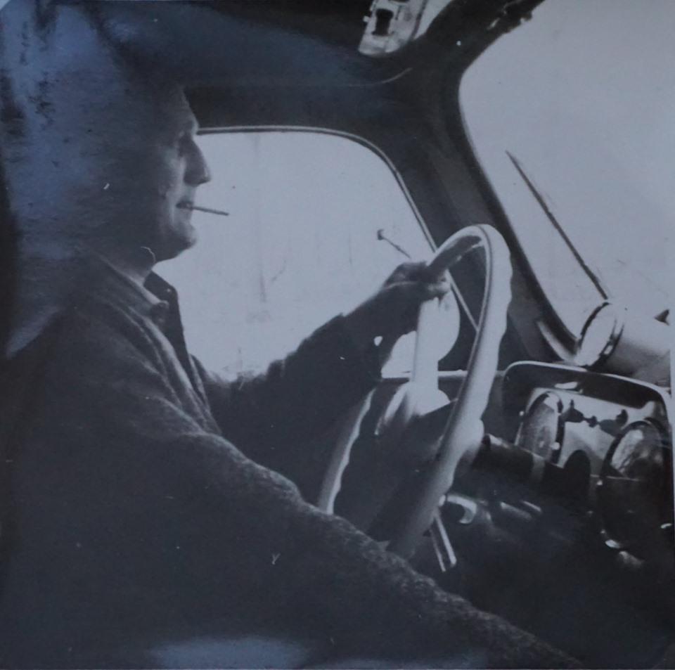 Cor-Winkelman-ca-1965--nog-zonder-pet-en-sjaal-en-losse-toerenteller---1