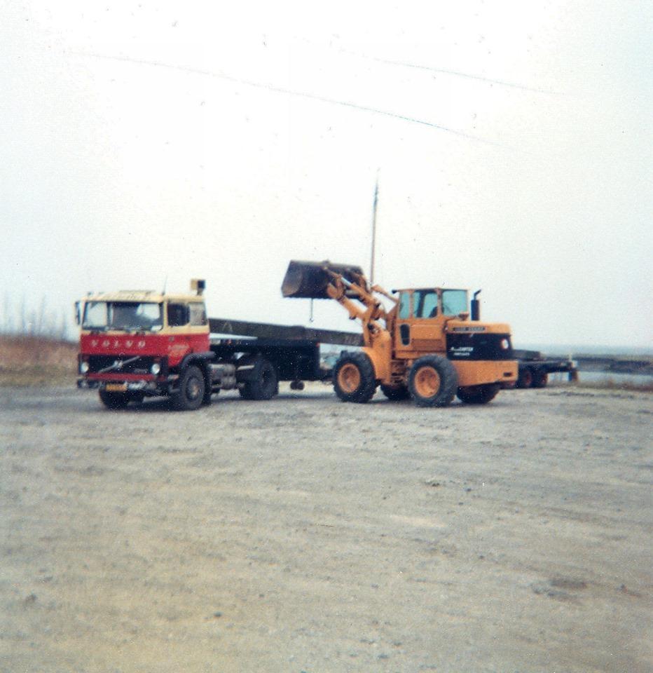 Dim-Geelhoed-1983-meerpalen-lden-Scheveningen-lossen-Den-Bommel-1