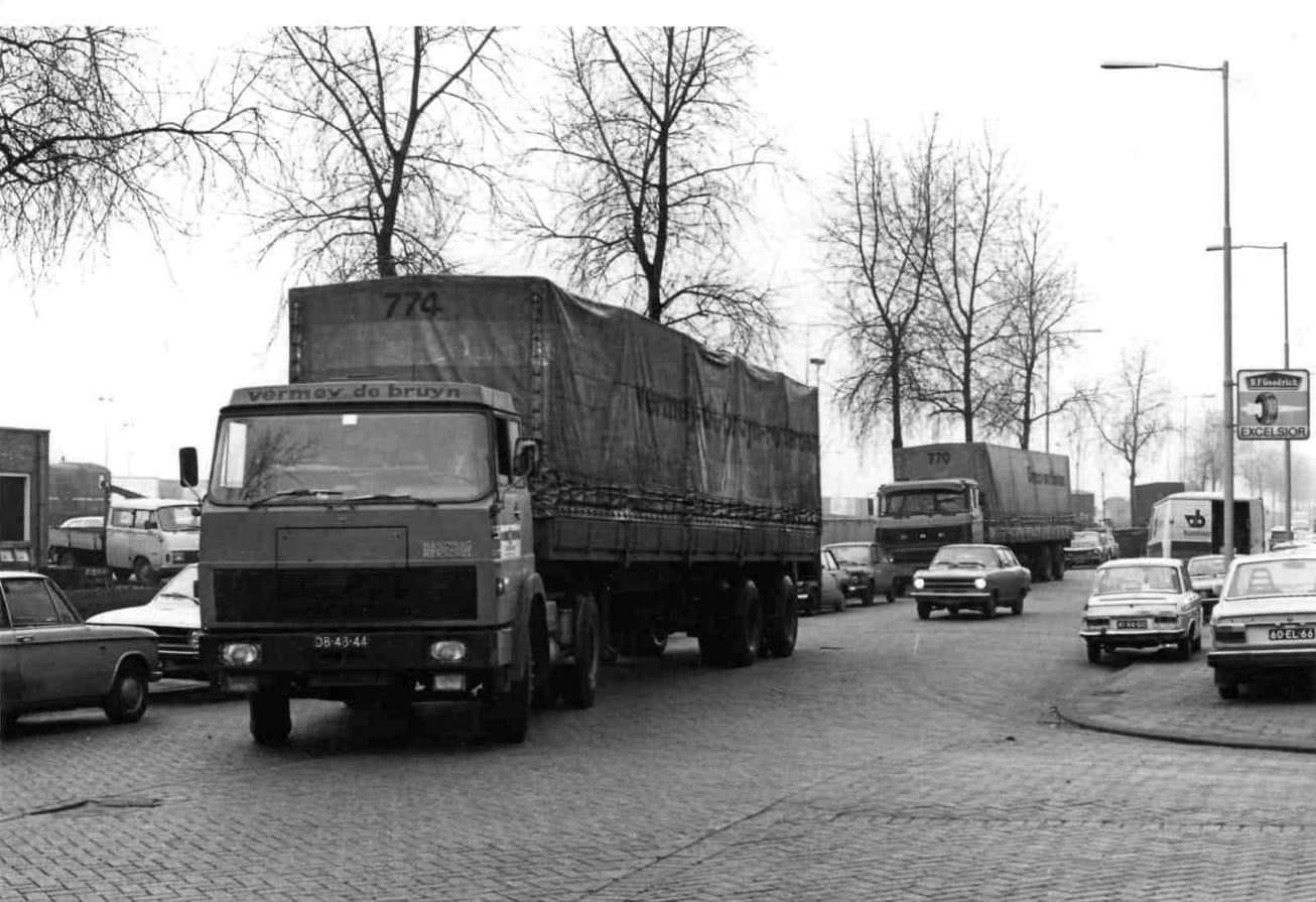 Een-Henschel--van-Vermeij-en-de-Bruyn-op-de-Albert-Plesmanweg