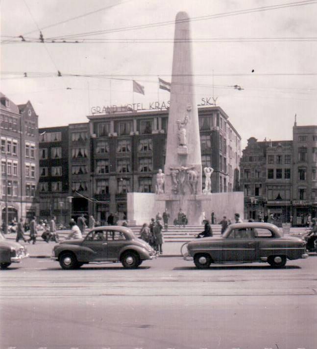 1958-Amsterdam-Dam[1]