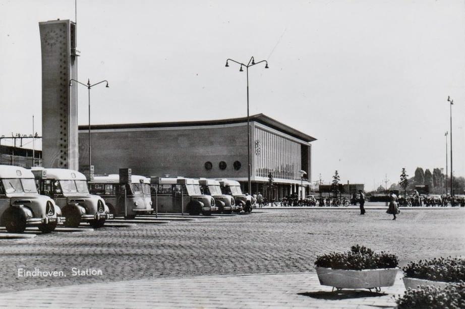 Stationsplein-Eindhoven-jaren-50