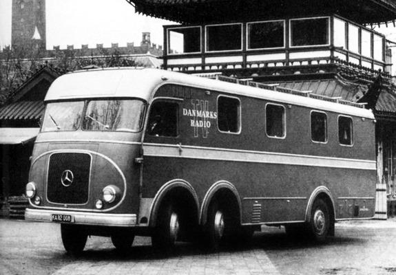 Mercedes-6X2--Deense-Radio