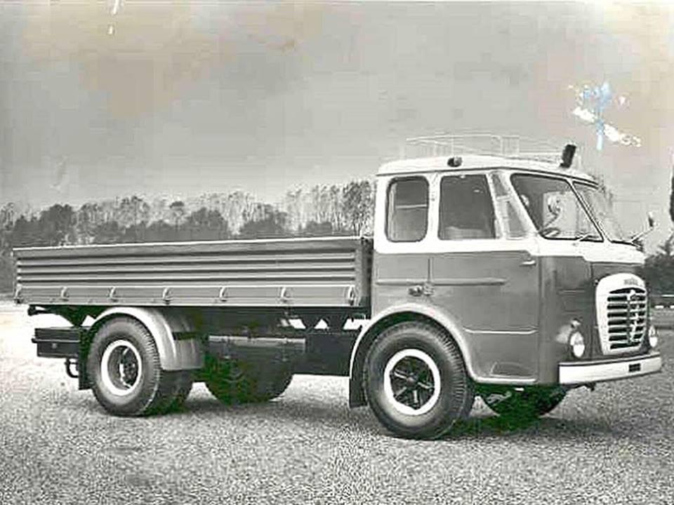Alfa-Romeo-Mille-17