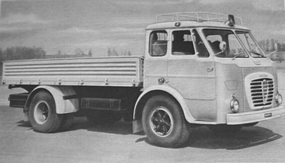 Alfa-Romeo-Mille-19