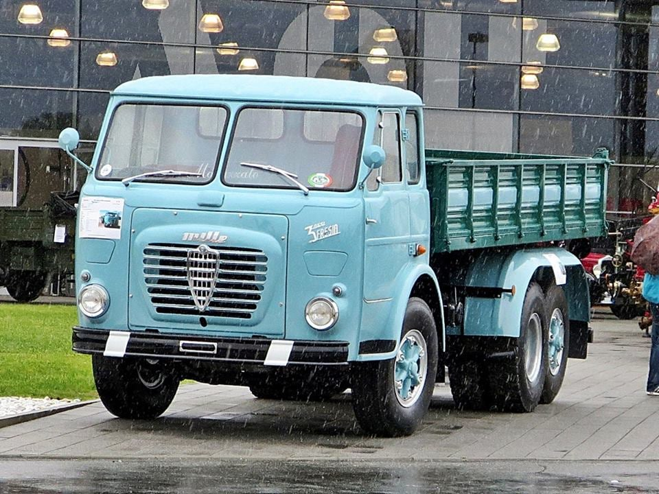 Alfa-Romeo-Mille-6